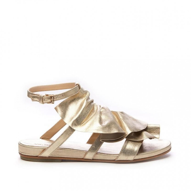 save off 902c5 1b206 Sandalo flat con maxi rouches in pelle oro