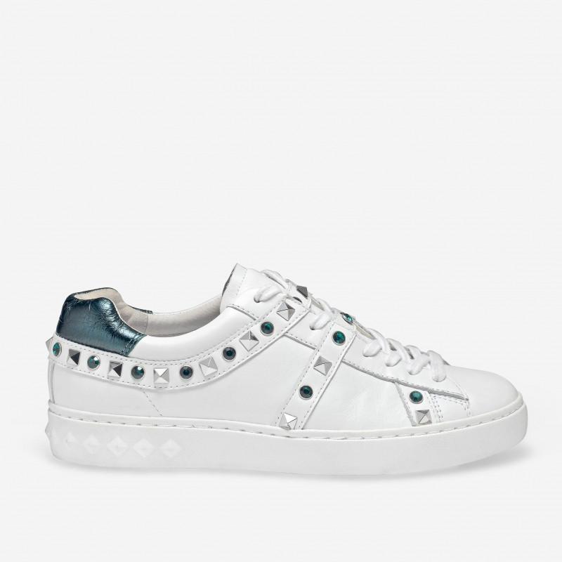 ultime versioni 100% originale cerca autentico PLAY sneakers bianca e turchese con borchie