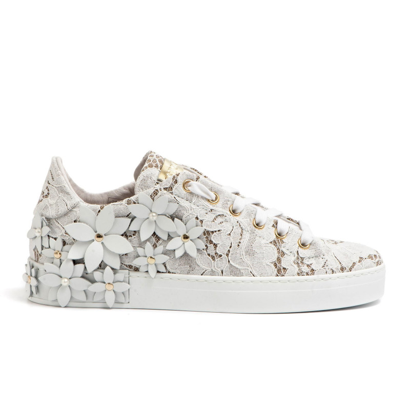 White shoes in lace and leather flowers white shoes in lace and leather flowers sneakers woman stokton 750 dpizzo bianco mightylinksfo