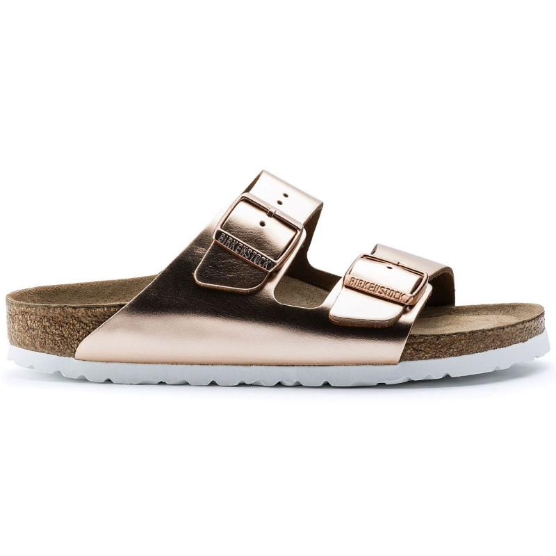 ... calzature · sandali  ciabatta arizona in pelle metallizzata rame.  sandali donna birkenstock arizona952093 sfb copper 3349 3d66fdda108