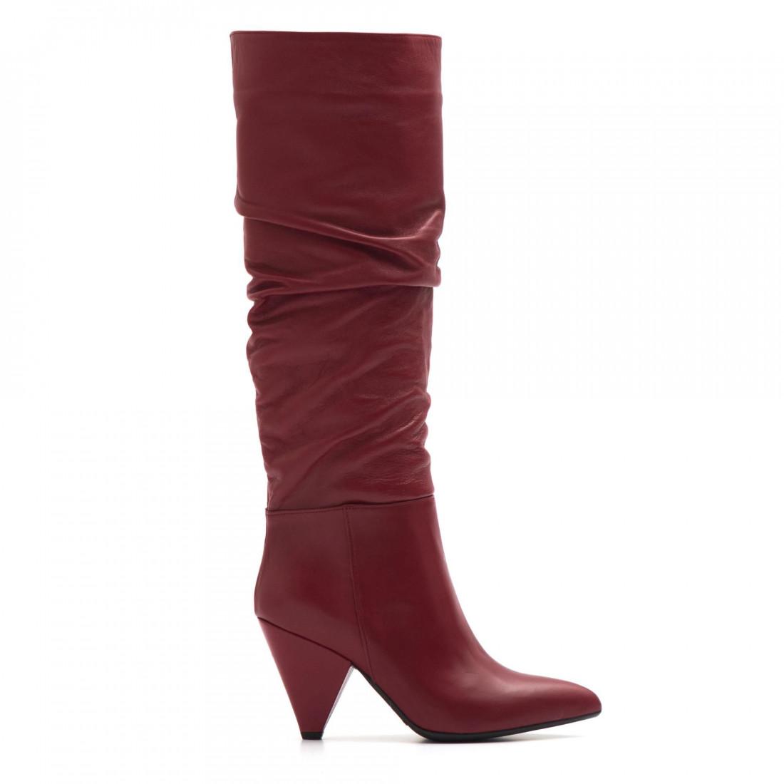 nuovo concetto 5f285 e73a0 Stivali rossi in pelle arricciata con tacco alto a cono
